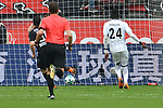 14.04.2018, BayArena, Leverkusen , GER, 1.FBL., Bayer 04 Leverkusen vs. Eintracht Frankfurt<br /> im Bild / picture shows: <br /> 3:1 f&uuml;r Leverkusen durch Kevin Volland (Leverkusen #31), verdeckt duch Schiedrichter / referee Dr. Felix Brych (SR)<br /> <br /> <br /> Foto &copy; nordphoto / Meuter