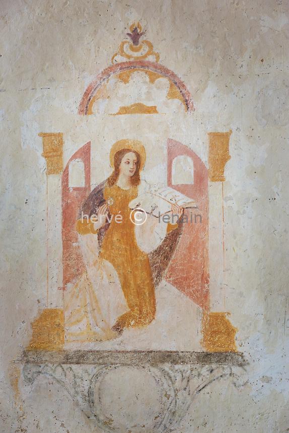France, la Puisaye, Yonne (89), la Ferté-Loupière, église Saint-Germain et fresque de la Vierge de l'Annonciation // France, the Puisaye, Yonne, la Ferte-Loupiere, Saint-Germain church, fresco, Our Lady of the Annunciation