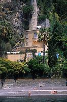 Europe/Italie/Côte Amalfitaine/Campagnie/Positano : Plage et vieux moulin