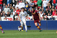 Pictured: (L-R) Pablo Hernandez, Gareth Barry.<br />