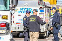 Nova York (EUA), 23/04/2019 - Crime / Suspeita Bomba / New York - Uma suspeita de explosivo foi encontrada em um edifício do Bronx e o esquadrão anti-bombas foi acionado pelas autoridades. Segundo os bombeiros não houve feridos nesta terça-feira, 23. (Foto: William Volcov/Brazil Photo Press)