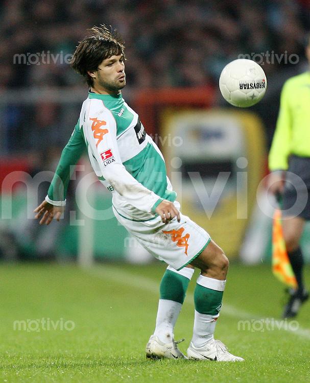 Fussball  1. Bundesliga  Saison 2006/2007 DIEGO (SV Werder Bremen), Einzelaktion am Ball