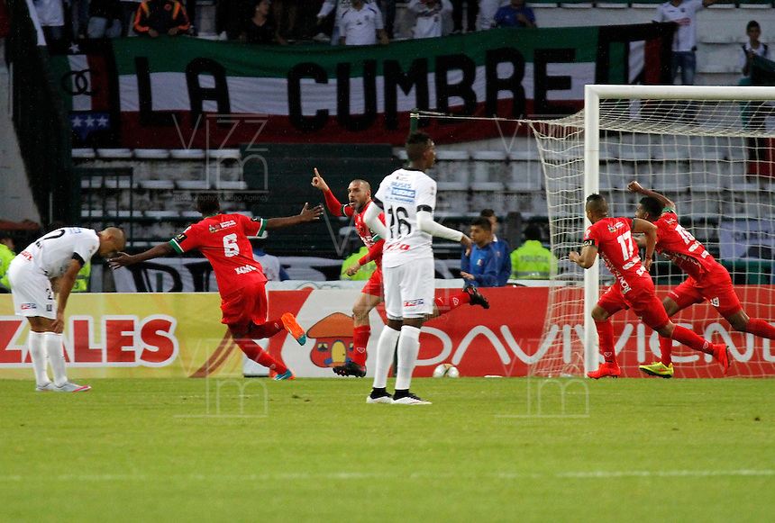 MANIZALES -COLOMBIA, 09-08-2015. Jorge Andres Ramirez (C) jugador de Patriotas FC celebra un gol en contra de Once Caldas durante partido por la fecha 5 de Liga Águila II 2015 jugado en el estadio Palogrande de la ciudad de Manizales./ Jorge Andres Ramirez (C) player of Patriotas FC celebrates a goal scored to Once Caldas during match valid for the 5th date of the Aguila League II 2015 played at Palogrande stadium in Manizales city. Photo: VizzorImage/Santiago Osorio/
