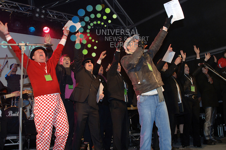 Its 2011 at the Stirling Hogmanay Party..Zisys were event managers this year at the Stirling Castle Hogmanay Party..Picture: Paul Domanski Universal News And Sport (Europe) 31 December 2010.All pictures must be credited to www.universalnewsandsport.com. (0ffice).0844 884 51 22