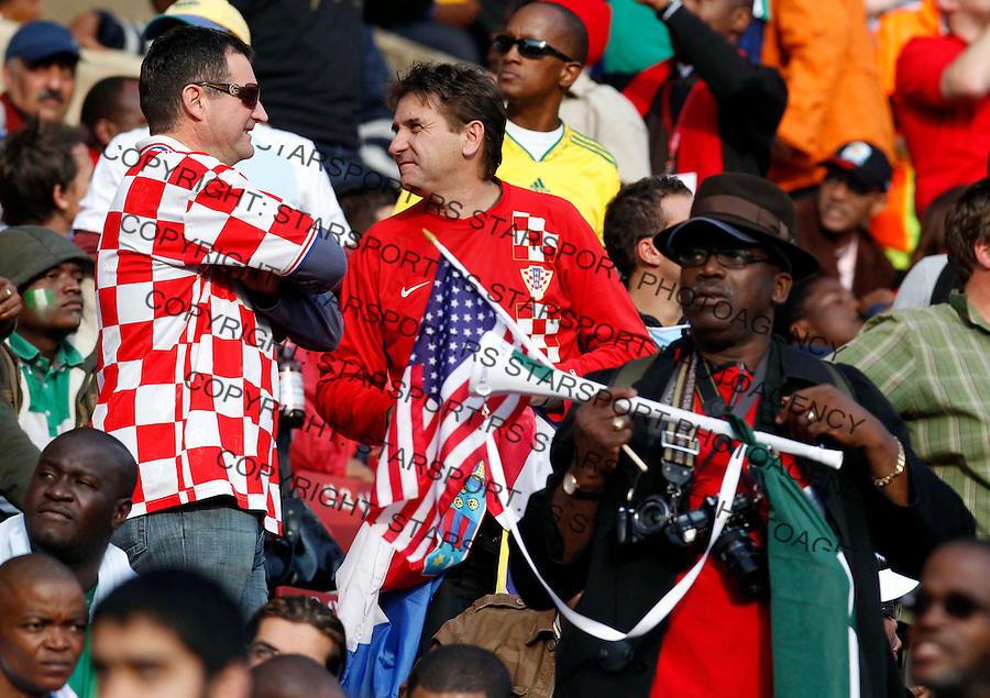 Croatian supporters Soccer - 2010 FIFA World Cup - Group B - Argentina v Nigeria Ellis Park Stadium in Johannesburg, South Africa, Saturday, June 12, 2010. 12.6.2010 (credit & photo: Pedja Milosavljevic / +381 64 1260 959 / thepedja@gmail.com / STARSPORT )