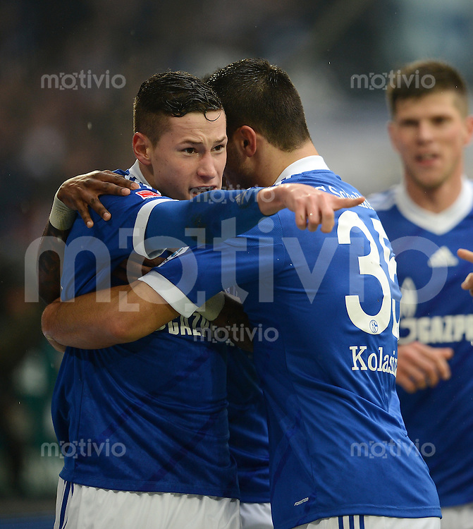 FUSSBALL   1. BUNDESLIGA   SAISON 2012/2013    25. SPIELTAG FC Schalke 04 - Borussia Dortmund                         09.03.2013 Julian Draxler (li) bejubelt mit Sead Kolasinac (re, beide FC Schalke 04) sein Tor zum 1:0