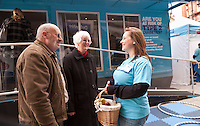 Brian and Pamela Quigley of Redhill, chat to Lucy Curtis from Diabetes UK