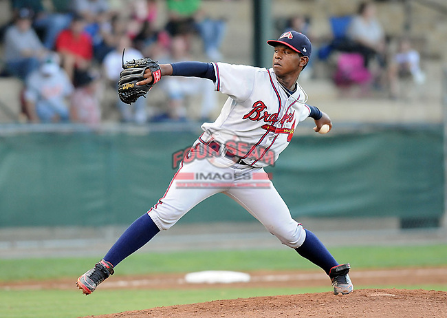 LHP Carlos Perez (30) of the Danville Braves in a game against the Pulaski Mariners on July 19, 2010, at Calfee Park in Pulaski, Va. Photo by: Tom Priddy/Four Seam Images