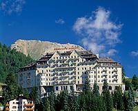 CHE, Schweiz, Graubuenden, Oberengadin, St. Moritz Dorf: das Carlton Hotel | CHE, Switzerland, Graubuenden, Upper Engadin, St. Moritz Village: the Carlton Hotel
