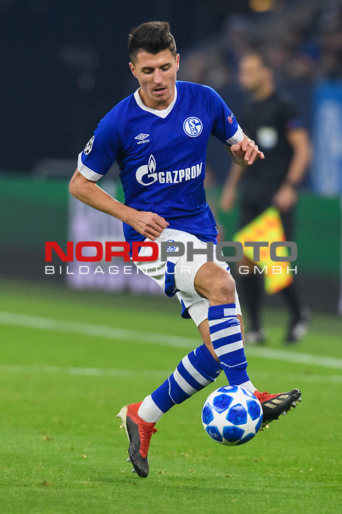 11.12.2018, VELTINS Arena, Gelsenkirchen, Deutschland, GER, UEFA Champions League, Gruppenphase, Gruppe D, FC Schalke 04 vs. FC Lokomotiv Moskva / Moskau<br /> <br /> DFL REGULATIONS PROHIBIT ANY USE OF PHOTOGRAPHS AS IMAGE SEQUENCES AND/OR QUASI-VIDEO.<br /> <br /> im Bild Alessandro Sch&ouml;pf / Schoepf (#28 Schalke)<br /> <br /> Foto &copy; nordphoto / Kurth