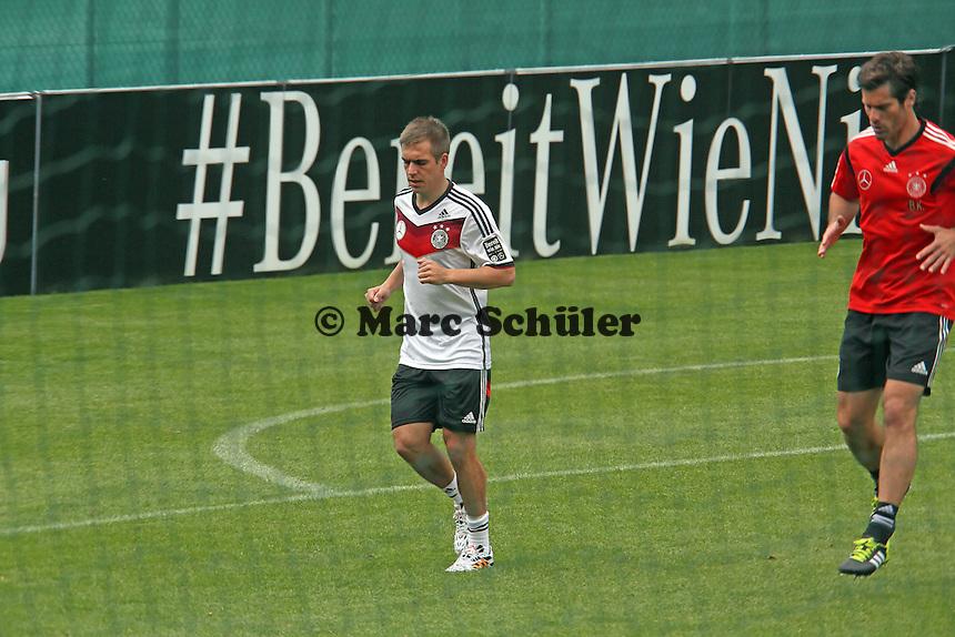 Philipp Lahm beim Lauftraining - Training der Deutschen Nationalmannschaft  im Rahmen der WM-Vorbereitung in St. Martin
