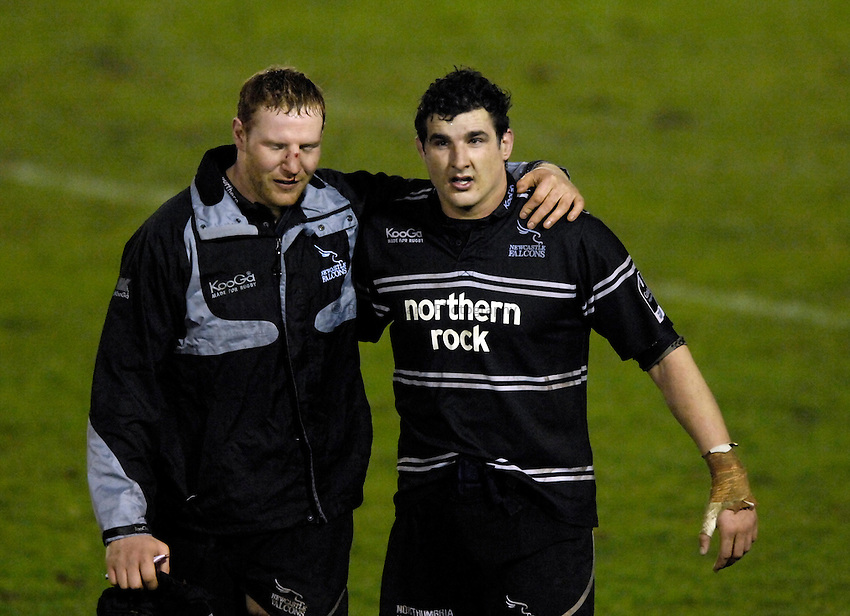 Photo: Jed Wee/Sportsbeat Images..Newcastle Falcons v London Wasps. Guinness Premiership. 23/02/2007...Newcastle's Jason Oakes (L) with Mark Sorenson.