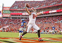 TAMPA, FL - OCTOBER 1: Tight End Cameron Brate #84 of the Tampa Bay Buccaneers catches a touchdown pass during the game against the New York Giants at Raymond James Stadium on October 1, 2017, in Tampa, Florida. The Buccaneers won 25-23. (photo by Matt May/Tampa Bay Buccaneers)