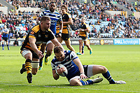 Max Wright of Bath Rugby scores a try in the first half. Heineken Champions Cup match, between Wasps and Bath Rugby on October 20, 2018 at the Ricoh Arena in Coventry, England. Photo by: Patrick Khachfe / Onside Images