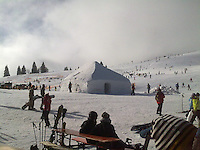 FREIBURG, ALEMANHA, 11 FEVEREIRO 2012 -FRIO EUROPEU - Manha geladas nas montanhas de Freiburg onde turistas aproveitam para esquiar. FOTO: MARLENE PINHEIRO - NEWS FREE.