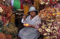 Amérique/Amérique du Sud/Pérou/Lima : Marché de Surquillo - Marchande de fleurs