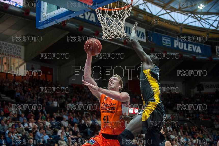 VALENCIA, SPAIN - APRIL 24: Hamilton during ENDESA LEAGUE match between Valencia Basket Club and Iberostar Gran Canaria at Fonteta Stadium on April, 2016 in Valencia, Spain