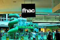 GOIANIA,GO, 01.03.2017 - FNAC-GO - <br /> Vista da fachada da livraria Fnac no bairro Jardim Goi&aacute;s em Goi&acirc;nia , nesta quarta-feira (1). A distribuidora de produtos eletr&ocirc;nicos, culturais e eletrodom&eacute;sticos francesa Fnac Darty anunciou na &uacute;ltima ter&ccedil;a-feira (28) que vai encerrar suas atividades no Brasil, ao mesmo tempo em que indicou que a companhia havia registrado um resultado l&iacute;quido em equil&iacute;brio (zero) em 2016. A Fnac anunciou a inten&ccedil;&atilde;o de vender a filial brasileira. O grupo come&ccedil;ou um processo ativo para buscar um s&oacute;cio que d&ecirc; lugar &agrave; retirada do pa&iacute;s. (Foto: Marcos Souza/Brazil Photo Press)