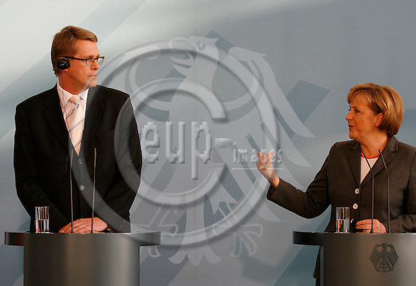 """BERLIN - GERMANY  09. MAY 2006 -- The Finnish prime minister Matti Vanhanen visits the German chancellor Angela Merkel  -  PHOTO: CHRISTIAN T. JOERGENSEN / EUP-IMAGES..This image is delivered according to terms set out in """"Terms - Prices & Terms"""". (Please see www.eup-images.com for more details)"""