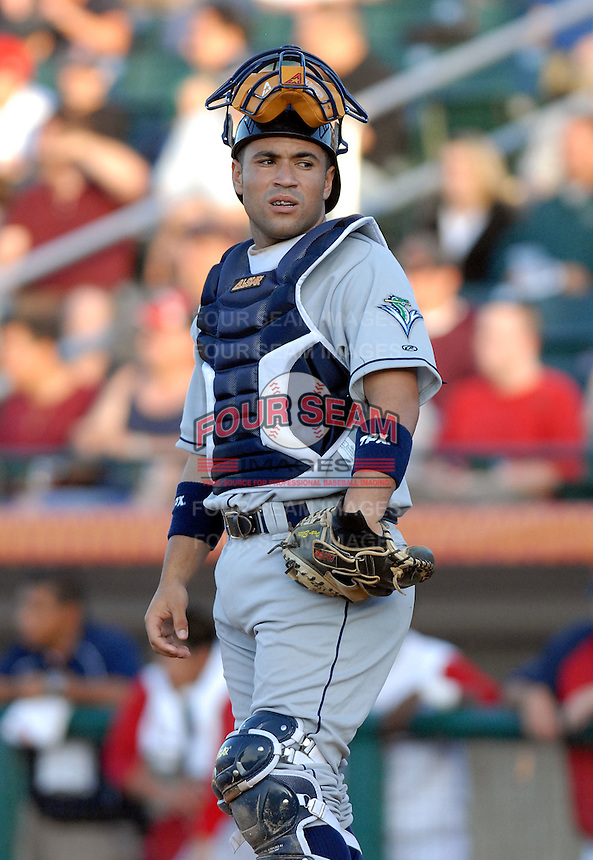 Catcher Sandy Leon of the Vermont Lake Monsters, the short season A (NY-P) affiliate of the Washington Nationals, at Edward LeLacheur Park in Lowell,MA 6-19-09 (Photo by Ken Babbitt/Four Seam Images)