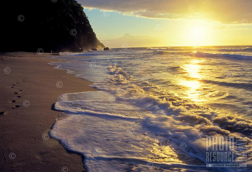Scenic kalalau beach on the na pali coast, north shore
