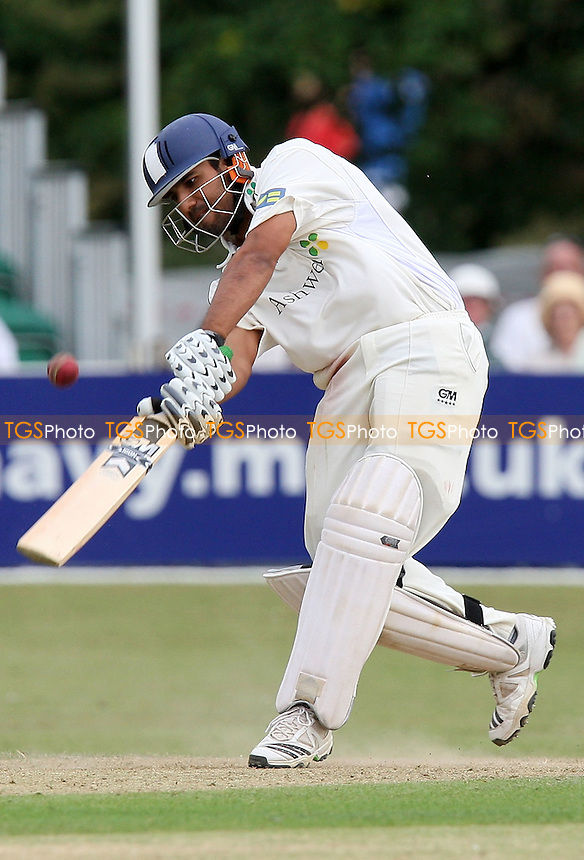 Ravi Bopara in batting action for Essex - Essex CCC vs Surrey CCC - LV County Championship Division Two Cricket at Castle Park, Colchester -  20/08/09 - MANDATORY CREDIT: Gavin Ellis/TGSPHOTO - Self billing applies where appropriate - Tel: 0845 094 6026