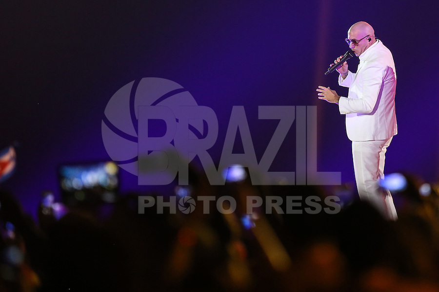 TORONTO, CANADÁ, 26.07.2015 - PAN-ENCERRAMENTO - O rapper Pitbull  durante Cerimonia de encerramento dos jogos Pan-americanos no Rogers Centre em Toronto neste domingo, 26.   (Foto: William Volcov/Brazil Photo Press)