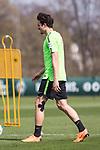 10.04.2018, Trainingsgelaende, Bremen, GER, 1.FBL, Training SV Werder Bremen<br /> <br /> im Bild<br /> Thomas Delaney (Werder Bremen #06) mit Kinesio-Tape,  <br /> <br /> Foto &copy; nordphoto / Ewert