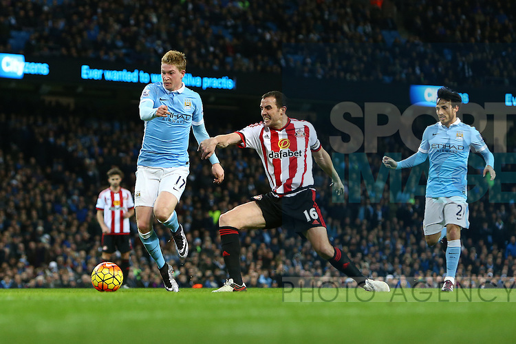 Kevin De Bruyne of Manchester City passes John O'Shea of Sunderland on his way to scoring - Manchester City vs Sunderland - Barclays Premier League - Etihad Stadium - Manchester - 26/12/2015 Pic Philip Oldham/SportImage