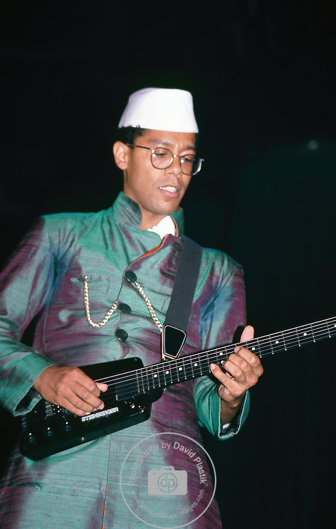 Carlos Alomar performing live with David Bowie at Madison Square Garden, NY 1983