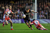 Sam Beard of Edinburgh Rugby goes on the attack. European Rugby Challenge Cup Final, between Edinburgh Rugby and Gloucester Rugby on May 1, 2015 at the Twickenham Stoop in London, England. Photo by: Patrick Khachfe / Onside Images