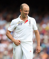 Jonathan Trott of England - England vs Australia - 2nd day of the 5th Investec Ashes Test match at The Kia Oval, London - 22/08/13 - MANDATORY CREDIT: Rob Newell/TGSPHOTO - Self billing applies where appropriate - 0845 094 6026 - contact@tgsphoto.co.uk - NO UNPAID USE