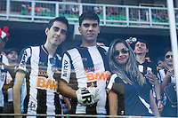 BELO HORIZONTE, MG, 06.04.2014 – CAMPEONATO MINEIRO 2014 – <br /> ATLÉTICO-MG X CRUZEIRO Torcedores do Atlético-MG durante jogo <br /> contra Cruzeiro valido pela final do Campeonato Mineiro 2014, no <br /> estádio Arena Independência, na tarde deste domingo (30) (Foto: <br /> MARCOS FIALHO / BRAZIL PHOTO PRESS)