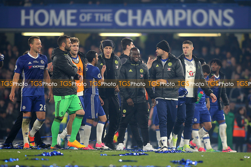 Chelsea players celebrate at the final whistle during Chelsea vs Watford, Premier League Football at Stamford Bridge on 15th May 2017