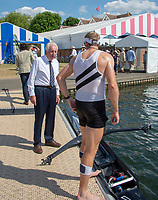 """Henley on Thames, United Kingdom, 3rd July 2018, Saturday,  """"Henley Royal Regatta"""",  View, Henley Reach, Bill BARRY (right) greets Mahe DRYSDALE, after heat of Diamond Challenge Sculls ' River Thames, Thames Valley, England, UK."""