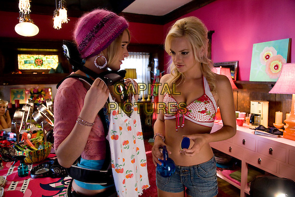RUMER WILLIS & ANNA FARIS .in The House Bunny.*Filmstill - Editorial Use Only*.CAP/FB.Supplied by Capital Pictures.