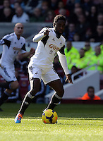 Pictured: Nathan Dyer of Swansea. 01 February 2014<br /> Re: Barclay's Premier League, West Ham United v Swansea City FC at Boleyn Ground, London.