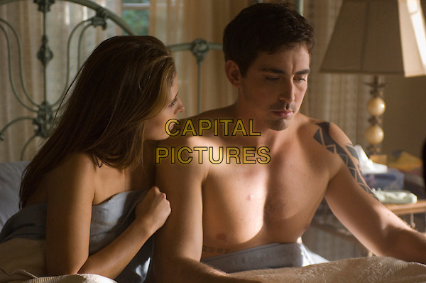 SARAH MICHELLE GELLAR & LEE PACE.in Possession.*Filmstill - Editorial Use Only*.CAP/FB.Supplied by Capital Pictures.