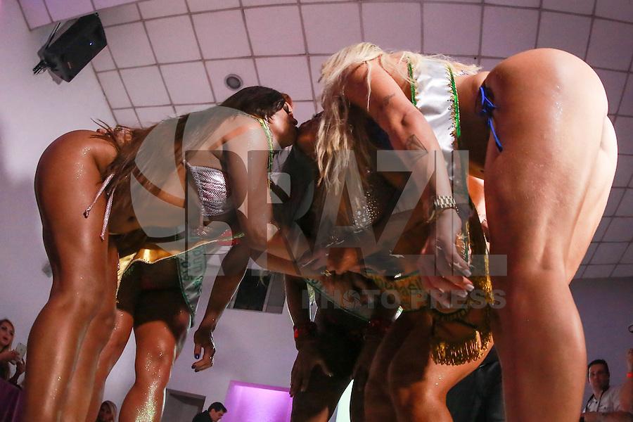 SÃO PAULO, SP, 09.11.2015 - Candidatas durante a quinta edição do concurso Miss Bumbum no bairro de Perdises na região oeste da cidade de São Paulo nesta segunda-feira, 09. (Foto: William Volcov/Brazil Photo Press)