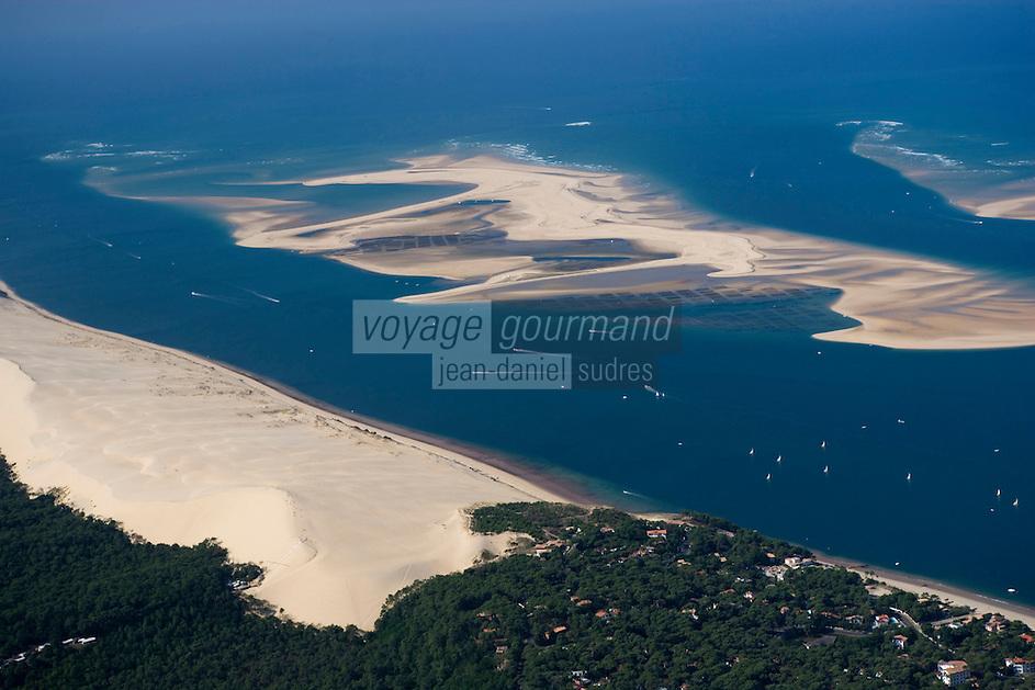 Europe/France/Aquitaine/33/Gironde/Bassin d'Arcachon: la Dune du Pyla,: les passes du Bassin d'Arcachon (Entrée), avec le Banc d'Arguin - réserve naturelle   -Vue aérienne