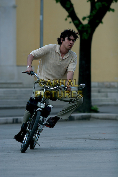 RICCARDO SCAMARCIO.in Mio fratello e figlio unico  .*Filmstill - Editorial Use Only*.CAP/FB.Supplied by Capital Pictures.