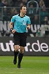 01.12.2019, Borussia Park , Moenchengladbach, GER, 1. FBL,  Borussia Moenchengladbach vs. SC Freiburg,<br />  <br /> DFL regulations prohibit any use of photographs as image sequences and/or quasi-video<br /> <br /> im Bild / picture shows: <br /> Schiedsrichter / referee Felix Zwayer (SR)<br /> <br /> Foto © nordphoto / Meuter