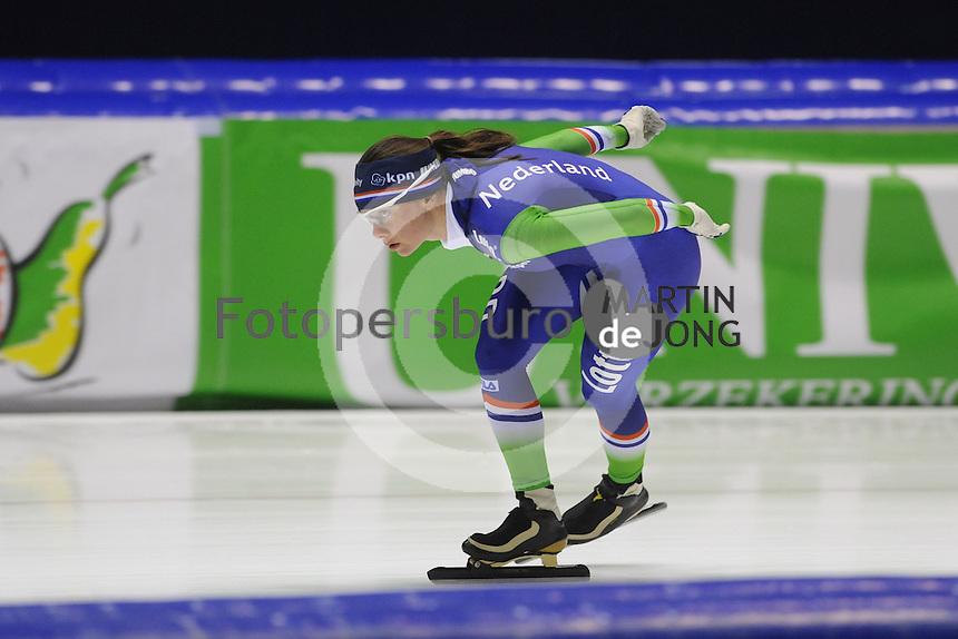 SCHAATSEN: HEERENVEEN: 11-12-2014, IJsstadion Thialf, International Speedskating training, Laurine van Riessen, ©foto Martin de Jong