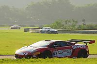 RIO DE JANEIRO, RJ, 21 DE JULHO 2012 - CAMPEONATO BRASILEIRO DE GRAN TURISMO - CORRIDA 1 - 4ª ETAPA - RIO DE JANEIRO - A dupla de pilotos G. Figueiroa/Julio Campos #63, durante a corrida 1 da 4ª etapa do Campeonato Brasileiro de Gran Turismo, disputado no Autodromo Internacional Nelson Piquet, Jacarepagua, Rio de Janeiro, neste sábado, 21. FOTO BRUNO TURANO  BRAZIL PHOTO PRESS