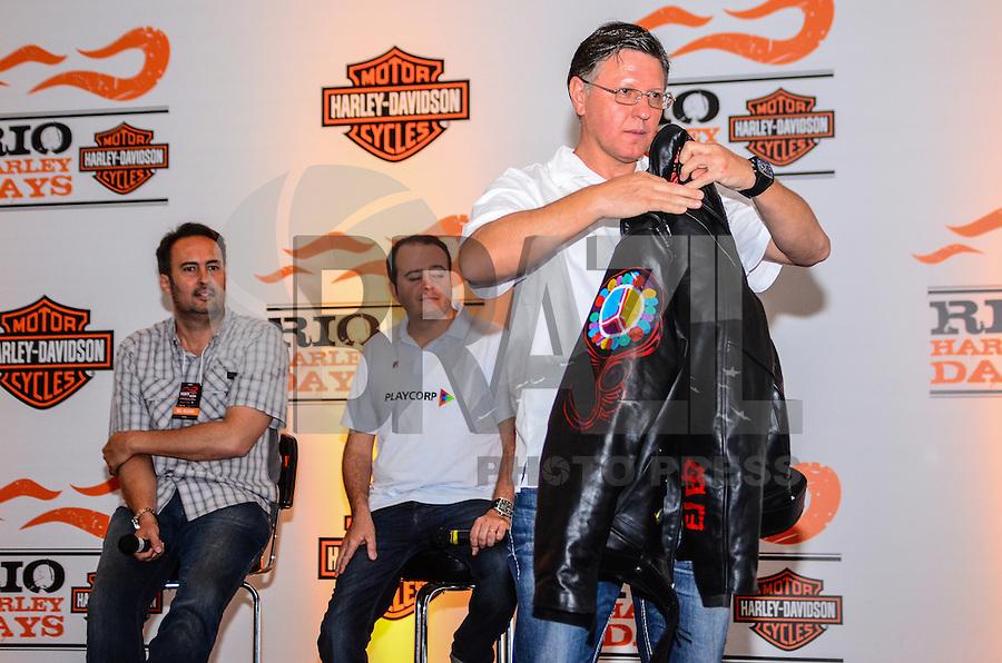 ATENCAO EDITOR: FOTO EMBARGADA PARA VEICULOS INTERNACIONAIS. - RIO DE JANEIRO, RJ,14 DE SETEMBRO 2012 - RIO HARLEY DAYS 2012- Apresentacao da jaqueta comemorativa na coleitva de imprensa do Rio Harley Days 2012, sucesso na Espanha, FRanca, Alemanha e Croacia, o evento desembarca para sua segunda edicao no Brasil, na Marina da Gloria, na Gloria, zona sul do Rio de Janeiro.(FOTO: MARCELO FONSECA / BRAZIL PHOTO PRESS).