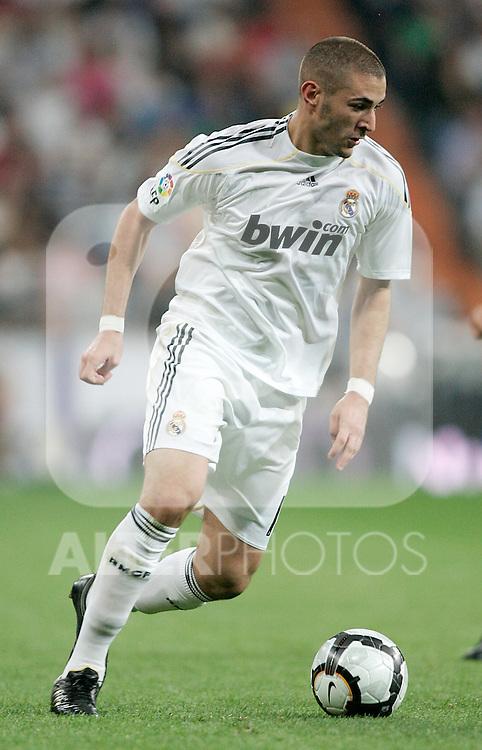 Real Madrid's Karim Benzema during La Liga match. October 31, 2009. (ALTERPHOTOS/Alvaro Hernandez).