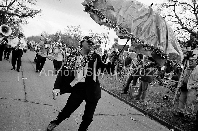 New Orleans, Louisiana.USA.February 25, 2006..Mardi Gras parades in uptown New Orleans.