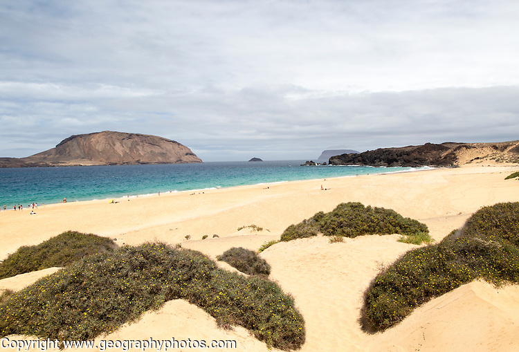 Montana Clara island nature reserve and sandy beach Playa de las Conchas, Graciosa island, Lanzarote, Canary Islands, Spain