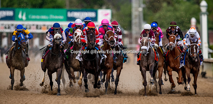 LOUISVILLE, KENTUCKY - MAY 03:The field for the Kentucky Oaks races by the grandstand for the first time at Churchill Downs in Louisville, Kentucky on May 03, 2019. Evers/Eclipse Sportswire/CSM