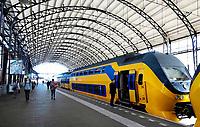 Nederland  Haarlem  2019. Dubbeldekker in Station Haarlem.   Berlinda van Dam / Hollandse Hoogte
